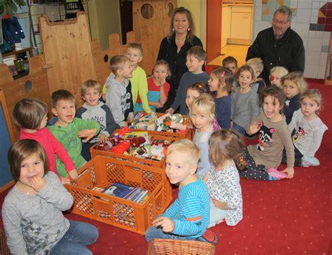 tafel erlangen kinder der tagesst 228 tte st elisabeth sammeln f 252 r die tafel