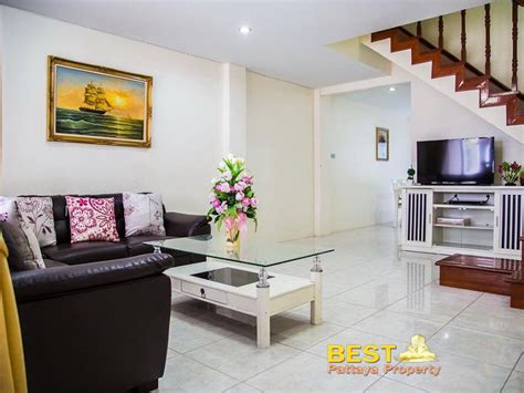 tr townhouse  rent  pattaya property