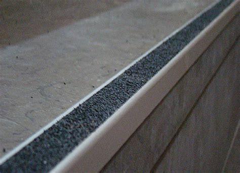 Carrelage Pour Escalier Extérieur 2425 by Pose Nez De Marche Alu Pour Carrelage Fabulous Nez De