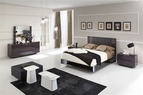 Bedroom Decor With Black Furniture Bedroom Wall Colors With Brown Furniture Memsaheb Net