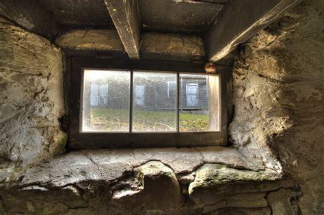 caulking basement windows wahlfarm basement window sm windows basement vendermicasa