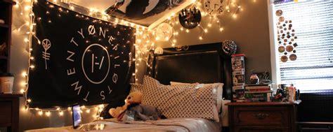 dekorasi hiasan kamar sederhana  bawah  ribu