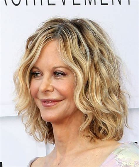 Meg Ryan Medium Wavy Casual Bob Hairstyle   Light Blonde