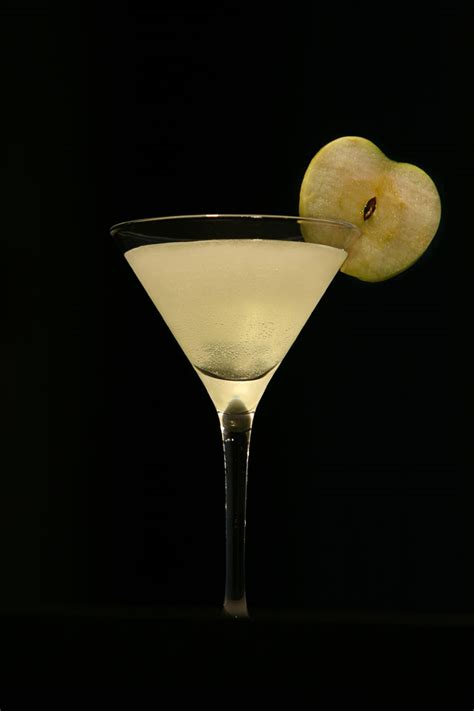 apple martini with green apple martini recipe dishmaps