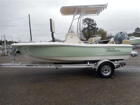 pioneer boats reviews pursuit c 180 inshore introduction boats
