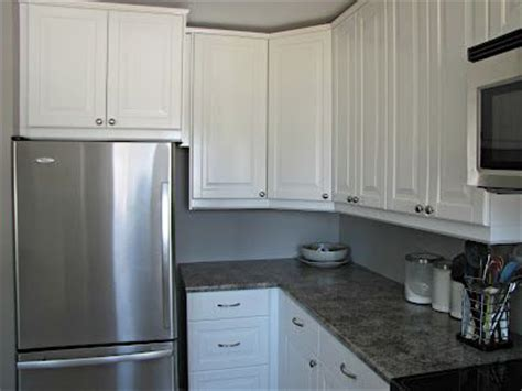 white formica kitchen cabinets formica perlato granite darker counter top option kitchen remodel pinterest granite