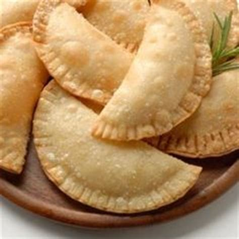 empanada cookbook learn to make original empanadas from scratch books 1000 images about all things guatemalan on
