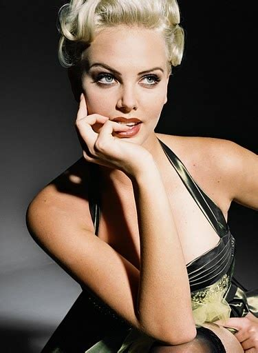 Charlize Theron Pretends To Model by 229 Best Images About Charlize Theron On The