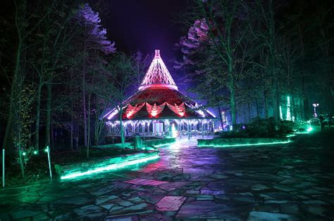 5 Events For Weekend Fun Garvan S Holiday Lights Dazzle Garvan Gardens Lights