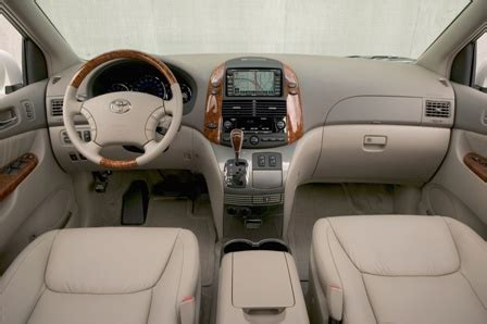 2008 toyota sienna le review