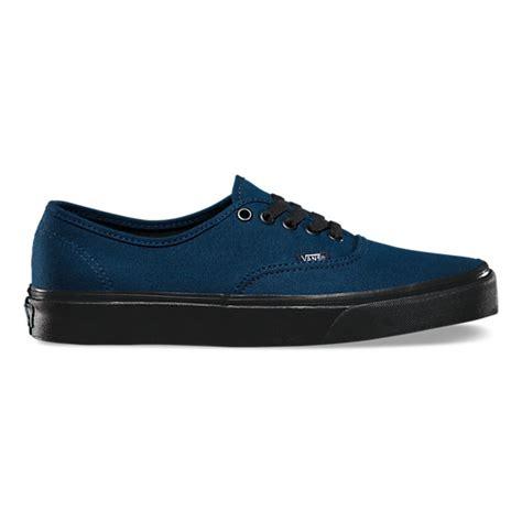 Sepatu Skate Vans Authentic Blacksole black sole authentic shop classic shoes at vans