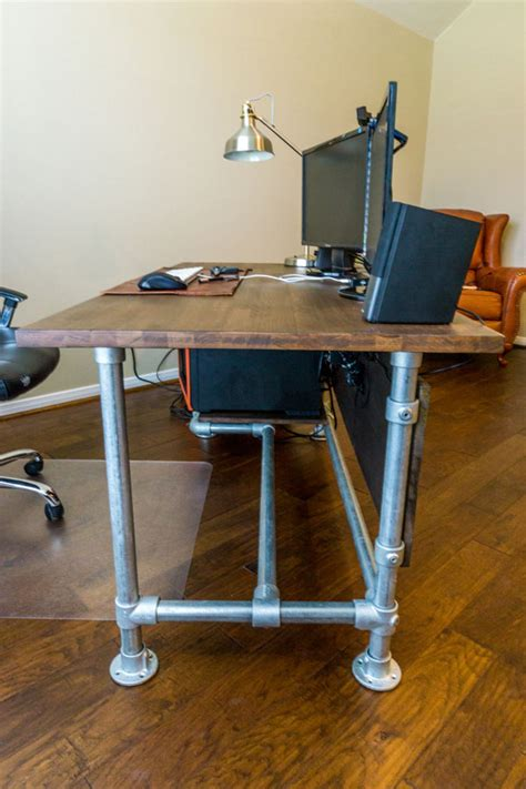 Diy Industrial Desk Wood Paneled Industrial Pipe Desk Desk Week