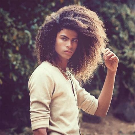 What Does The Natural Mens Afro Called The Bob Looks Like | afro hairstyles for men the idle man