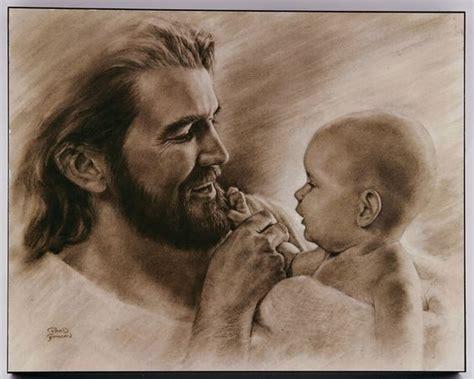 imagenes de jesus cargando un bebe banco de imagenes y fotos gratis jes 250 s sonriendo 1