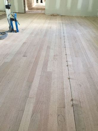 Installing Solid Red Oak Hardwood Flooring   Avondale