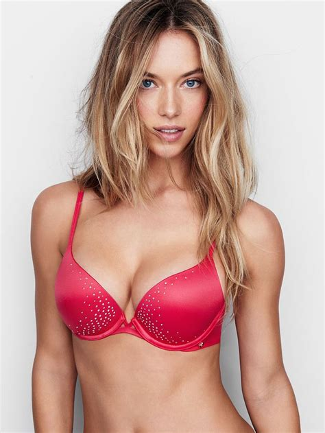 Victorias Secret Sexes Up The Oscars by Push Up Bra S Secret Apparel