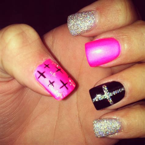 cross pattern nails 1000 images about cross nail design on pinterest