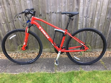stolen trek ds   hybrid bike
