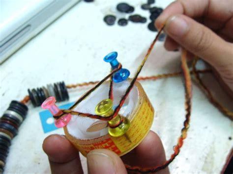 membuat gelang benang jahit kreatifitas anak bangsa cara membuat gelang kancing