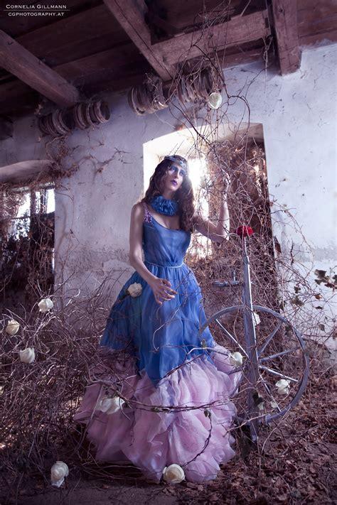 theme briar rose cornelia gillmann fine art photography