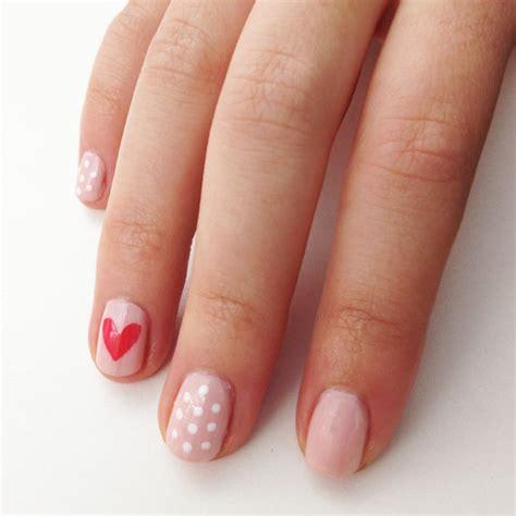 easy nail art heart diy valentine s day nail art popsugar beauty australia