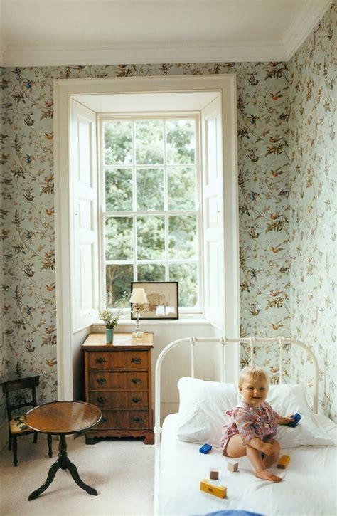 the humming room best 25 childrens bedroom wallpaper ideas on