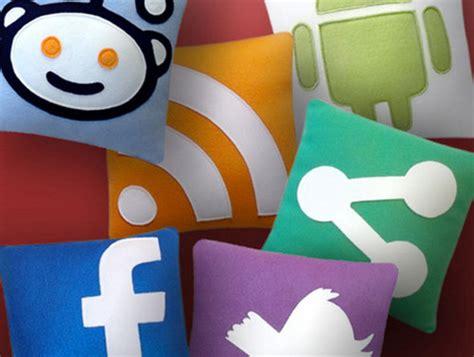cuscini strani cuscini social network by