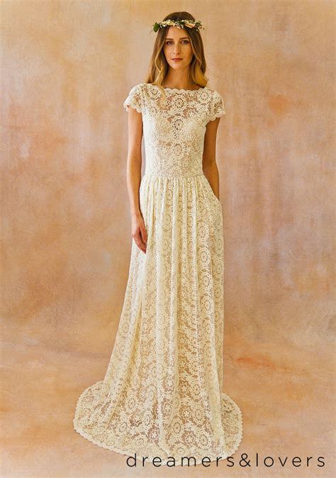 Wedding Dress Etsy by 10 Gorgeous Wedding Gowns 1000 From Etsy The