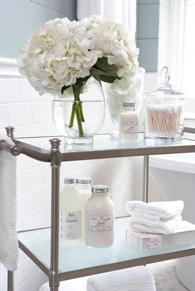 bathroom styling ideas 25 best ideas about bathroom flowers on pinterest