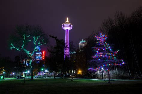 niagara falls light show the winter festival of lights in niagara falls skylon tower