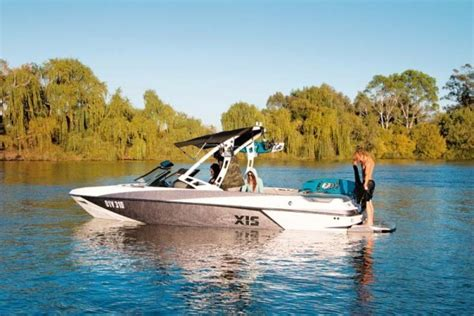 axis boats review axis wake t22 review trade boats australia