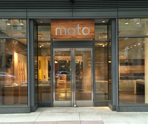 Motorola opening up its own storefront in Chicago for the holiday season   TalkAndroid.com