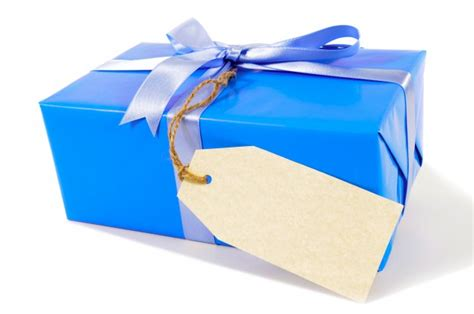 blue christmas gift with gift tag photo free download