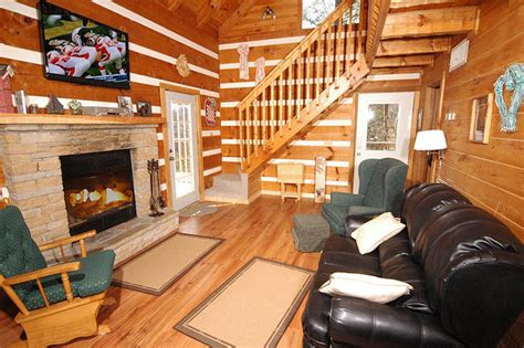 Honey Cabin Pigeon Forge by Honey Pigeon Forge Cabin
