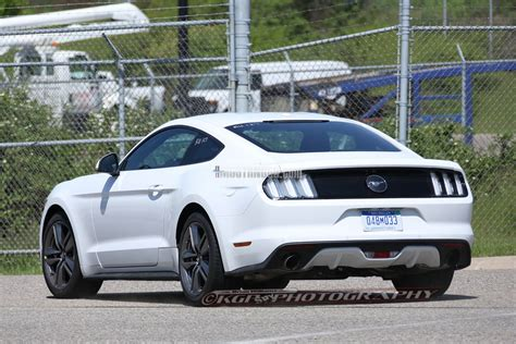 2015 mustang lights spec 2015 mustang spotted again wearing clear