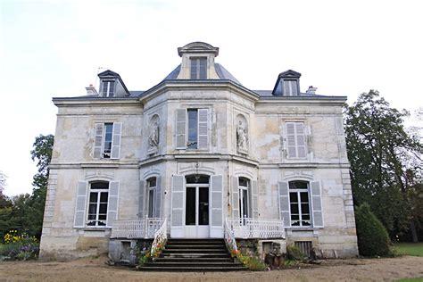Maison De Famille by Maison De Famille C0419 Mires