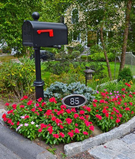 Custom Flower mg s lawn green pleasantville ny landscapers custom