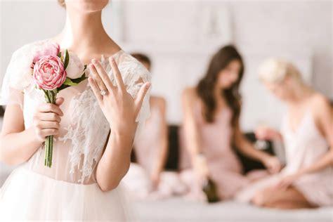 Foto Acara Pernikahan Lamaran Acara Seminar tilan cantik dengan baju wanita untuk acara lamaran