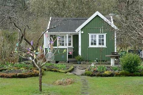 gartenhaus im schwedenstil ein m 228 rchenhafter platz in - Gartenhaus Im Schwedenstil