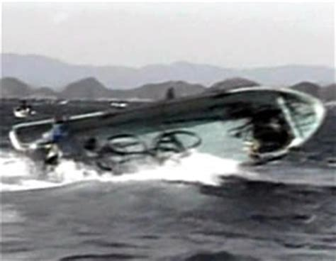 whale attacks boat underwatertimes raw video argh fisherman killed as