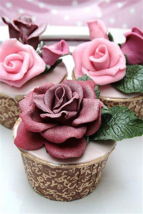 beautiful cupcake beautiful rose decorated cupcakes bakerei pinterest