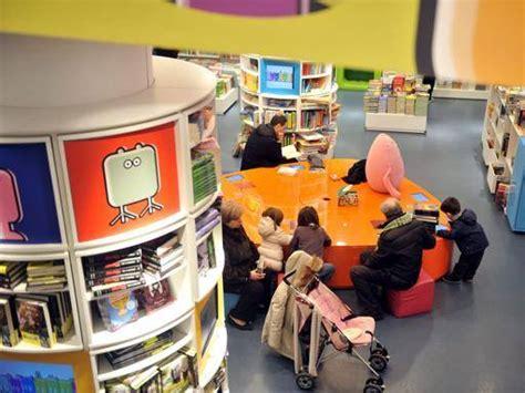 libreria mondadori rovigo addio alla libreria mondadori voragine in vittorio