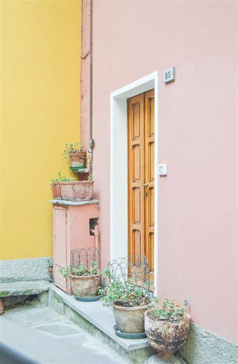 Hausfassade Grau Weiß by Tischler Moderne Couchtische