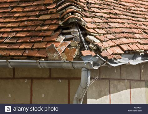 Hipped Tiled Roof Damaged Tile Hipped Roof With Broken Lead