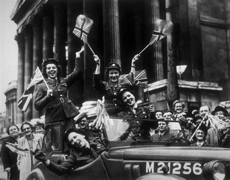 libro d day to ve day ve day 70th anniversary events commemorations and celebrations around the uk