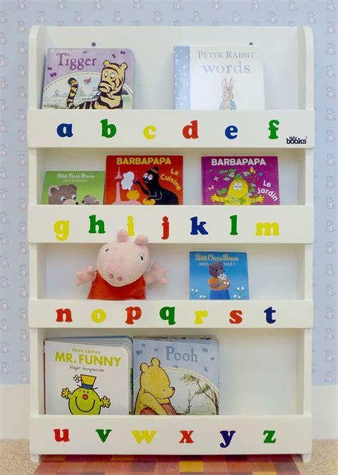 mobili librerie per bambini oltre 1000 idee su stanze per bambini color lavanda su