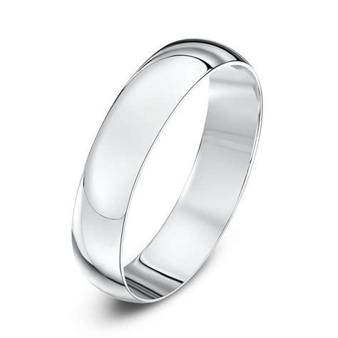 18kt white gold light d 4mm wedding ring