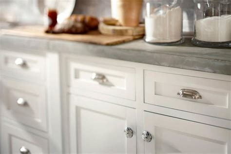 A Simple Way To Transform Furniture Where To Place Knobs On Kitchen Cabinet Doors
