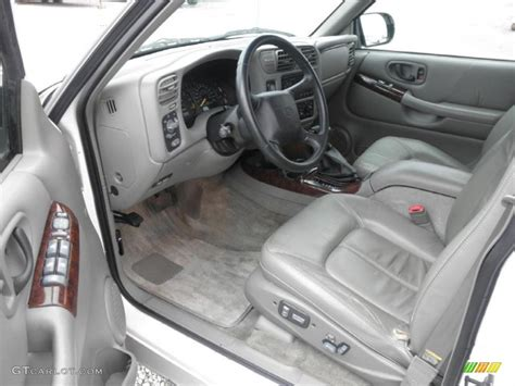 Oldsmobile Bravada Interior by Pewter Interior 2000 Oldsmobile Bravada Awd Photo