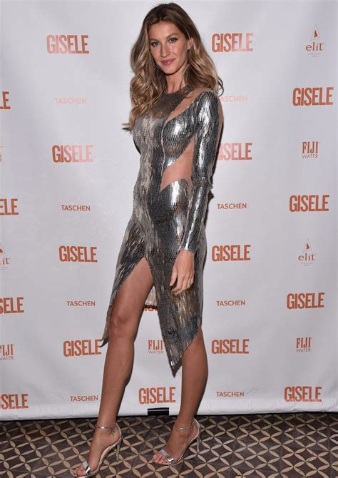 Get Giseles Colcci Launch Look by Gisele Bundchen Stuns In Metallic Look At Fling